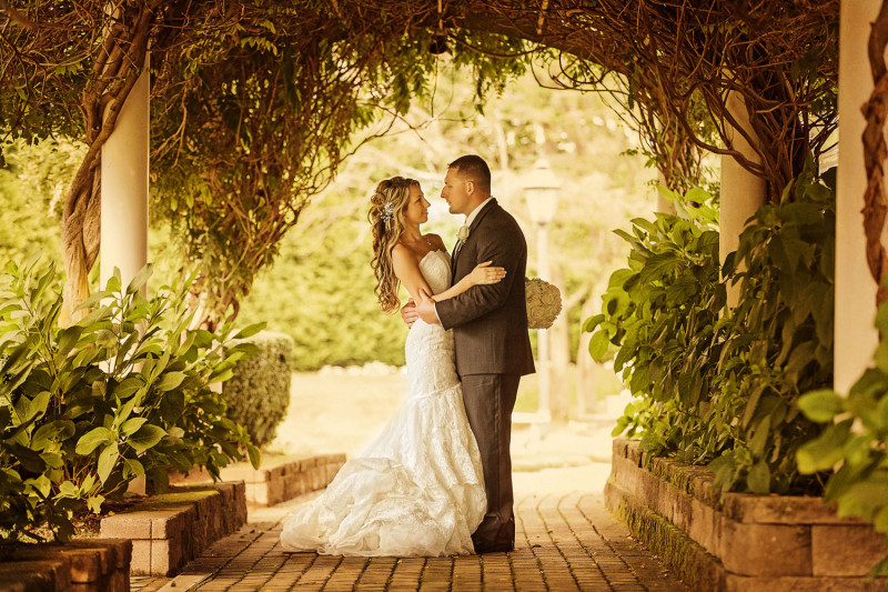 7 Tips to Help You Hire a Wedding Photographer